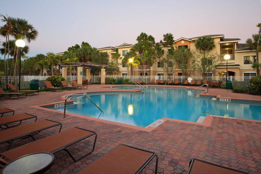 Lake worth apartment's pool